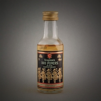 Seagram's 100 Pipers Deluxe Scotch Whisky